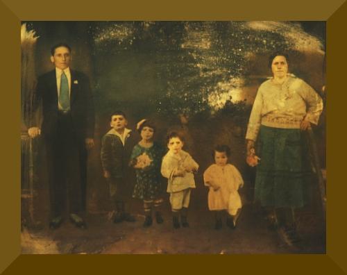 Ângelo Giordano, os filhos Giuseppe, Rosina, Enrico e Carmela, e Angeolina Guerrini